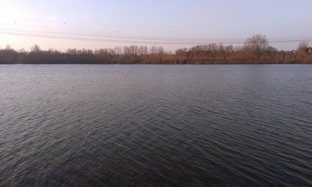 Vue sur le plan d'eau